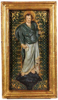 PROPHET Stuckrelief, bemalt, in einem Rahmen aus gefriestem und vergoldetem Holz. 53,6 x 30,8 cm (Höhe der Figur: 42,5 cm). Wir danken Giancarlo Gentilini...