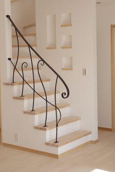 鉄 階段手摺り