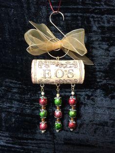 my second cork ornament! my second cork ornament! Christmas Wine, Diy Christmas Ornaments, Diy Christmas Gifts, Handmade Christmas, Holiday Crafts, Xmas, Wine Craft, Wine Cork Crafts, Wine Bottle Crafts