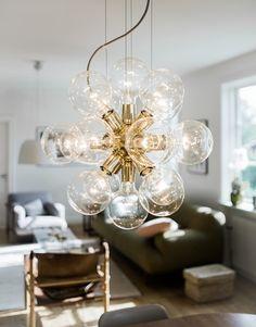 Lux, 494 mässing& - Crystal chandeliers From Krebs Beautiful Interior Design, Nordic Design, Modern Chandelier, Light Art, Interior Lighting, Luxor, House Design, Ceiling Lights, Loft