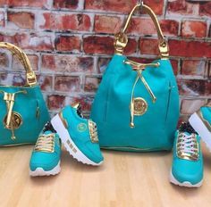 10 Purse Care Tips Every Purse-A-Holic Should Know – Bags & Purses Cute Sneakers, Cute Shoes, Me Too Shoes, Luxury Shoes, Luxury Bags, Sneakers Fashion Outfits, Fashion Shoes, Fashion Handbags, Fashion Bags