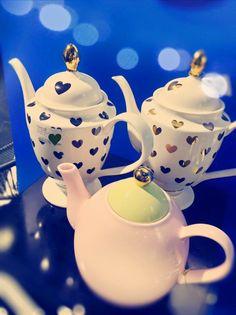 Wunderschöne und hochwertige Teekannen von Miss Etoile. Sie sind auf jedem Tisch ein absoluter Hingucker.
