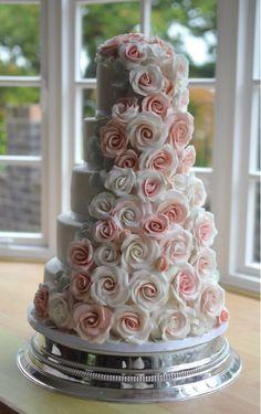 Sugar roses wedding cake