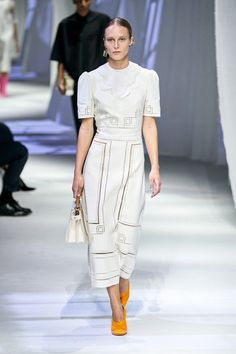Runway Fashion, Fashion News, High Fashion, Womens Fashion, Fashion Trends, Fendi, Fashion Show Collection, Vogue Paris, Mannequins