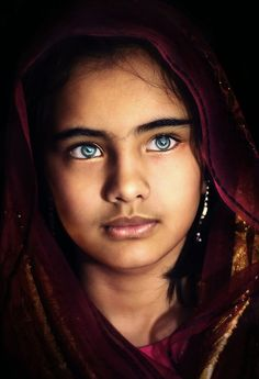 Face / Portrait/ the eyes! Beautiful Children, Beautiful People, Stunning Eyes, Beautiful Eyes Color, Interesting Faces, People Around The World, Cool Eyes, Pretty Eyes, Belle Photo
