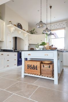 Kitchen flooring ideas with our Allier Rustique French Limestone tiles - rustic kitchen Kitchen Units, Kitchen Tiles, Kitchen Flooring, Limestone Flooring, Natural Stone Flooring, Rustic Kitchen, Kitchen Decor, White Kitchen Floor, French