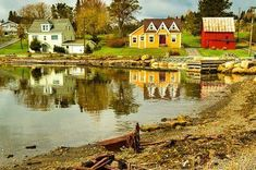 Top 16 Things to do in Lunenburg and around Lunenburg Lunenburg Nova Scotia, Stuff To Do, Things To Do, Small Towns, Travel Tips, Travel Ideas, Country Roads, Explore, Mansions