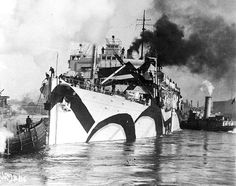 """historium: """"With her distinctive camouflage, USS Orizaba departs her New York City slip headed down the North River, bound for France in 1918 """" The North River? British Marine, Lloyd's Of London, Ap 24, Dazzle Camouflage, Vintage Boats, Military Camouflage, American Poets, Razzle Dazzle, Battleship"""