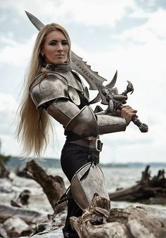 Love Cosplay, at a guess I would say 'The Elder Scrolls'. Medieval Combat, Medieval Armor, Medieval Fantasy, Warrior Princess, Warrior Girl, Warrior Women, Armadura Medieval, Female Armor, Female Knight