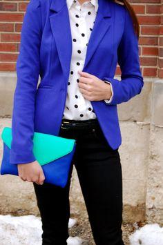 Polka dot blouse + a blue blazer, perfect for an interview!