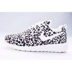 Look at these beauties. Roshe Nike women shoes. They are so beautiful haha