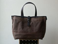 sale  ships today  1942 FIELD TOTE  15 von roughandtumblebags