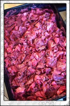 James heeft ons een traditioneel recept gestuurd voor Indische huzarensalade. Deze wordt met Oud en Nieuw gegeten maar is ook erg lekker in de zomer. Heb jij ook een lekker en simpel recept?Stuur je recept (met foto) dan naar info@lekkerensimpel.com of stuur je recepthierin. Benodigdheden: 6/7 vastkokende aardappelen 1 kilo runderlappen ( 2.5 uur braden)...Lees Meer »
