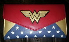 Love this Wonder Woman wallet