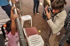 """A Fundação de Ação Social (FAS) e o IPCC entregaram hoje (10) 3,5 mil cobertores da campanha """"Doe Calor"""" para o CRAS Caximba. Atualmente, o centro atende mais de 1,7 mil famílias.   A presidente da FAS, Marcia Fruet, e Francisca Cury, presidente do IPCC, participaram da entrega dos cobertores, que teve a ajuda de 10 homens do Exército.  Para fazer sua doação acesse o site da campanha www.doecalor.com.br e conheça o ponto de coleta mais próximo de você."""
