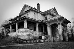 Abandoned mansion in Shreveport, LA.