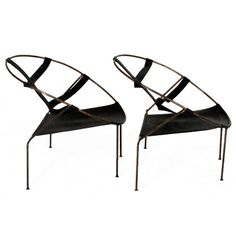 Pair of Brazilian Lounge Chairs by Flavio de Carvalho image 3
