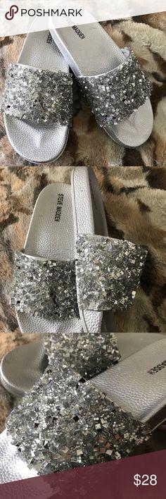 Steve Madden silver metallic slides 8 Well made molded comfort footbed. Non slip sole. Chunky glittery metallic detail . Get summer ready! Steve Madden Shoes Sandals