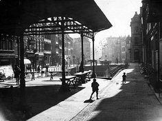 Vismarkt | Jaren 30 | Op de Kalisbrug stond tot 1941 een zinken overkapping