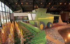 112694_largest_canned_food_structure_John_Deere_Project_Can_Do.jpg (1056×663)