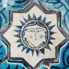 Karatay Medrese, Konya : Single Tile Motifs with Cross Tiles – Haç Karo ile Tek Karo Motifleri-Sun Designs – Güneş Motifi