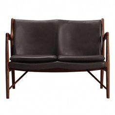 Modeled after the timeless mid-century furniture of Finn Juhl, the Kardiel Platform Mid-Century Modern Club Chair is a spectacular option for provide. Home Decor Furniture, Furniture Plans, Mid Century Coffee Table, Leather Loveseat, Grand Homes, Mid Century Modern Furniture, Club Chairs, Italian Leather, Mid-century Modern