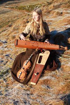 … Viking Aesthetic, Renaissance Music, Hammered Dulcimer, Early Music, Music School, Folk Music, Mandolin, I Love Music, Fantasy Characters