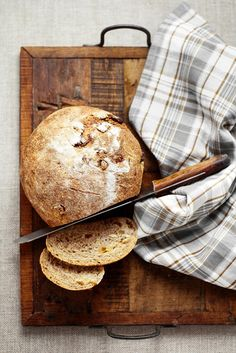 wheat bread with dried figs, walnuts and chestnut honey