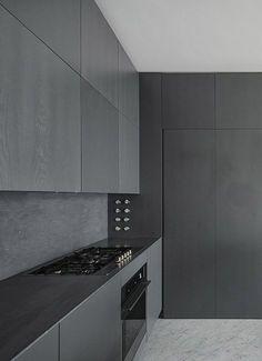Black kitchen: Charcoal Kitchen, Modern Kitchen Design, Interiors Kitchen, Kitchener Apartment, Black Kitchens