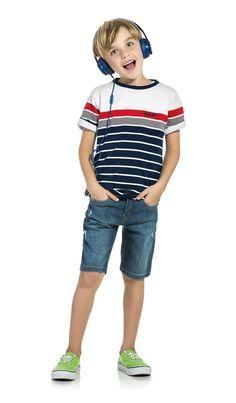 Camiseta-com-listras Fashion Kids, Girls Fashion Clothes, Girl Fashion, Fashion Outfits, Dino Kids, Kids Boys, Tween Boy Outfits, Shoes Without Socks, Beauty Of Boys