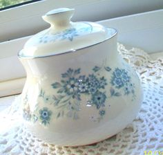 Royal Doulton The Romance Collection  Michelle  H.5078 Lidded Sugar Bowl Exc!