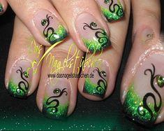 Green Design - Nail Art photos