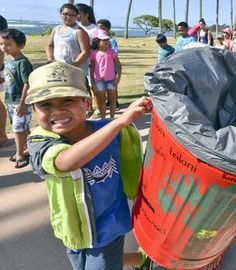 Kapaa students decorate for Mayor-a-Thon - Garden Island : Painting helps cans resist rust and gives our keike artists a canvas and permission  to create public art!