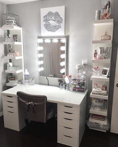 """Impressions Vanity Co. on Instagram: """"This glam space is a total dream  ⠀⠀ ⠀⠀ : @madison_lee22 ft #impressionsvanity Glow XL #VanityMirror"""""""