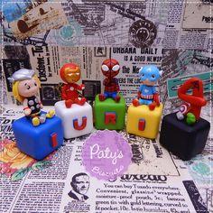 Cubos Decorados Super Heróis - Paty's Biscuit