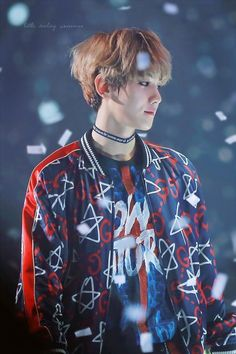 Find images and videos about kpop, exo and baekhyun on We Heart It - the app to get lost in what you love. Kpop Exo, Exo Ot9, Baekhyun Chanyeol, Park Chanyeol, Tao, Exo Memes, Kris Wu, Jimin, 2ne1