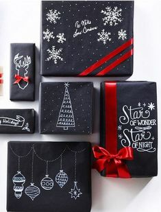 24 ridiculously satisfying pictures of perfectly wrapped Christmas presents - Weihnachten Christmas Hacks, Best Christmas Gifts, Simple Christmas, Elegant Christmas, Modern Christmas, Kids Christmas, Christmas Trees, Black Christmas, Christmas Christmas