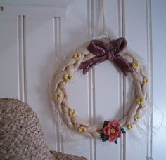 krans zoutdeeg met tutorial en recept Grapevine Wreath, Diy For Kids, Grape Vines, Easter, Wreaths, Blond, Decor, Art, Noel