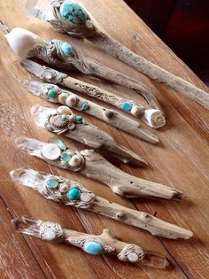 Holly Wand – Wiccan Wand – Magic Wand – The Holly King – Witchcraft – Magic – Occult – Wicca Driftwood Projects, Driftwood Art, Painted Driftwood, Driftwood Ideas, Driftwood Jewelry, Creation Deco, Sea Witch, Beach Crafts, Nature Crafts