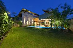Luxurious Stunning Exterior Creating Elegant and Exotic Exterior: Lush Green Backyard Of The Monsoon Retreat In India Finished With Green Decorating Idea And Swimming Pool Design Idea Amazing Architecture, Architecture Design, Indian Architecture, Facade Design, Residential Architecture, Landscape Architecture, Mega Mansions, Led Licht, Swimming Pool Designs