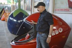 cool The museum gets hundreds of visitors every day, and according to Yadav is a big hit with auto enthusiasts