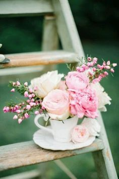 Flowers in Tea Cup. Pink Roses. ♥ J'adore!