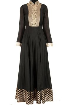 Black embroidered sanea gown available only at Pernia's Pop-Up Shop.