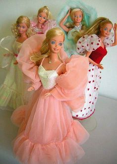 Omg.  Peaches & Cream Barbie.  Totally had her.