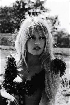 #Gorgeous. #BrigitteBardot. What do you think of this hairstyle? www.clubfashionista.com