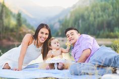 Family pictures ideas. Have your baby feed you their cake for a great shot! #oneyearold#photoshootfamilyofthree#ourfamily#ourstory#thisisus#home#love#cute#motherhoodunplugged#momblog#momlife#bond