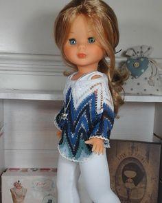 Vestidos Para Nancy de Chus Garcia: Vestidos para Nancy Sewing Doll Clothes, Sewing Dolls, Ag Dolls, Vestidos Nancy, Pram Toys, Nancy Doll, American Girl Crafts, Altering Clothes, Vintage Dolls