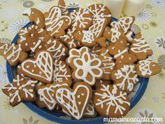 Cauți prăjituri de Crăciun? Atunci rețeta aceasta de turtă dulce poate fi potrivită pentru tine: e simplu de făcut, arata bine și e o porție imensă. Gingerbread Cookies, Deserts, Christmas, Food, Gingerbread Cupcakes, Xmas, Ginger Cookies, Desserts, Weihnachten