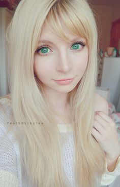 Dolly Eye Starry Eye green circle lenses are light green but the color pay off is amazing. These green circle lenses are cartoonish therefor...