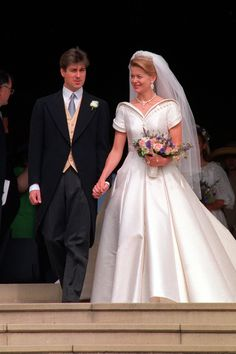 Vogue: JULY 1992 – Lady Helen Windsor - in Catherine Walker - marries Tim Taylor at St. George's Chapel in Windsor. Photo By PA Photos Famous Wedding Dresses, Royal Wedding Gowns, Celebrity Wedding Dresses, Royal Weddings, Celebrity Weddings, Royal Tiaras, Royal Jewels, Wedding Styles, Wedding Photos